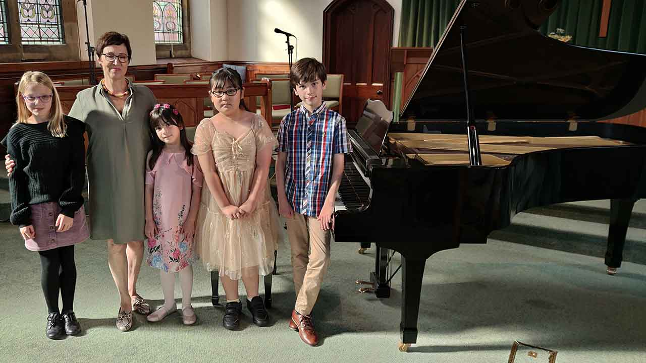 Anna and Pupils at Positively Piano Club September 2021
