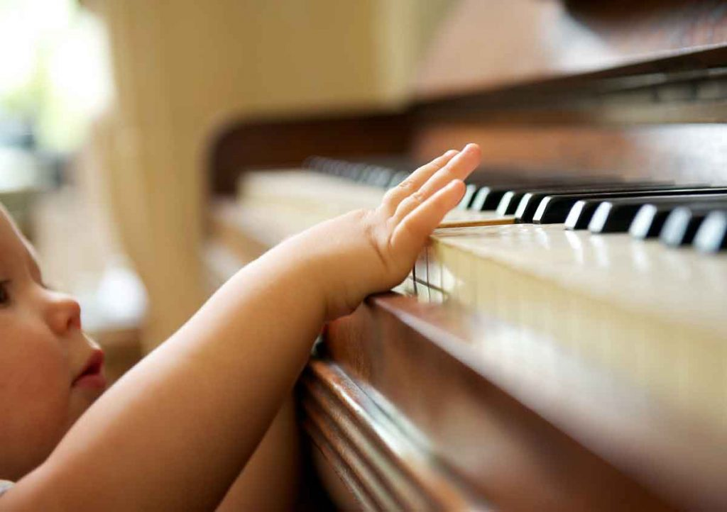 a-baby-playing-the-piano